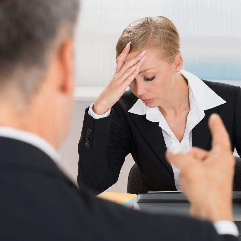 Konflikte zwischen Arbeitgeber und Arbeitnehmer.
